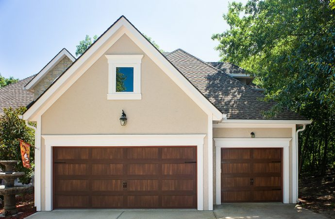 5 TOP REASONS TO UPGRADE GARAGE DOOR